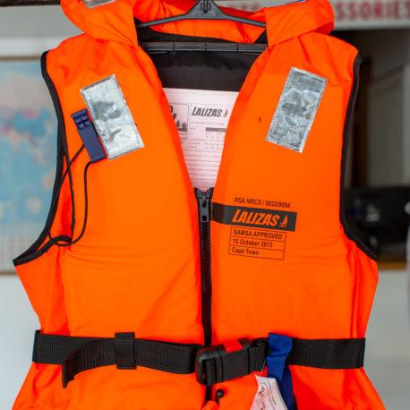lalizas-life-jacket-100N-70-90kg